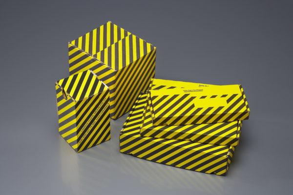 Laatikko kelta-musta jäähauderasialle, 190 x 175 x 170 mm